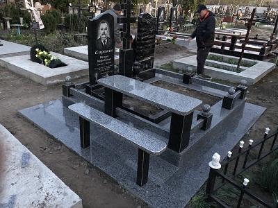 Памятники из камня габбро Ивано-Франковск