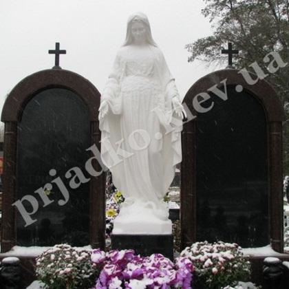 Надгробные статуи Киев