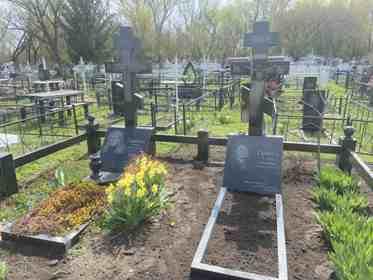 Памятники надгробные гранитные Яготин
