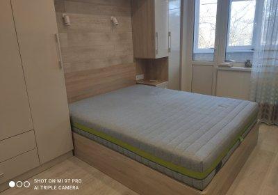 Деревяне ліжко